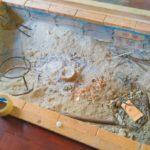 囲炉裏に使う木灰が高い!砂利で底上げして安く作る