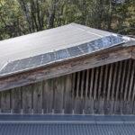 山林小屋はカビっぽい。ソーラー発電で換気計画